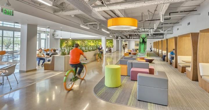Modern-Workplace-Interior-Design-Ideas-4